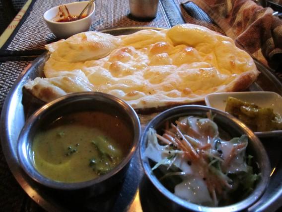 ネパール料理でランチ